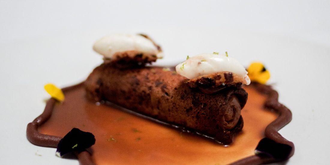 Canutillo Relleno De Mousse De Chocolate.